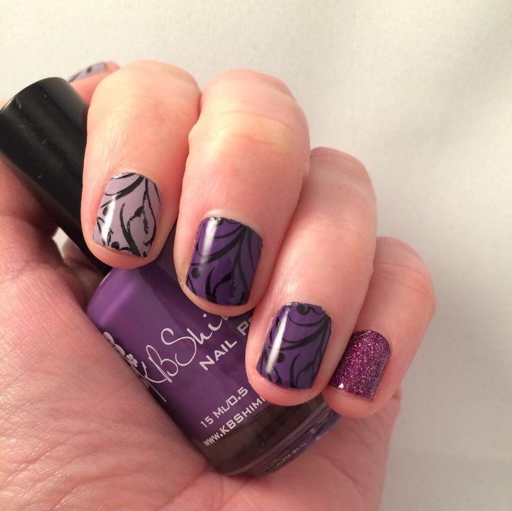 Nail art. Purple floral