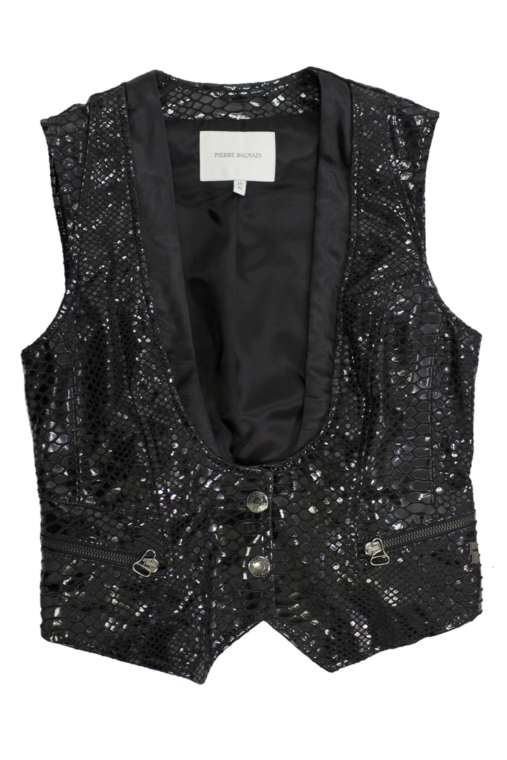 The sparkling black croco waistcoat by Pierre Balmain takes your breath away #GBmoda #Fashion #AbuDhabi #MarinaMall #waistcoat