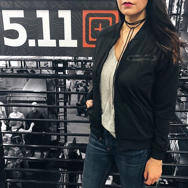 Look at @511tactical upping their women's line game with this super cute bomber jacket. You know I'm sucker for a bomber. Be sure to give my stories a view for a preview of some of their new women's gear launching this Fall.