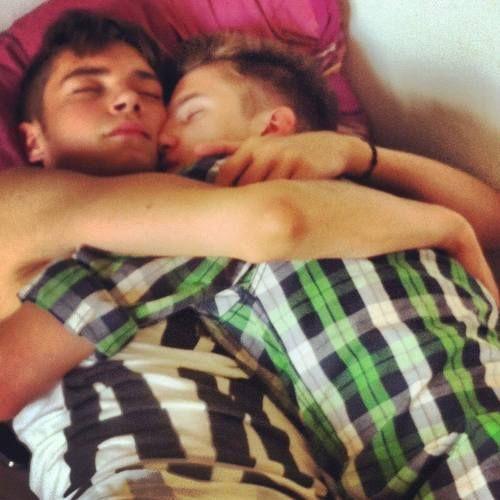 Gay Sweet Moment, Gay Cuddle, Gay Cuddling, Gay Snog, Gay Snogging, Gay Sleep…