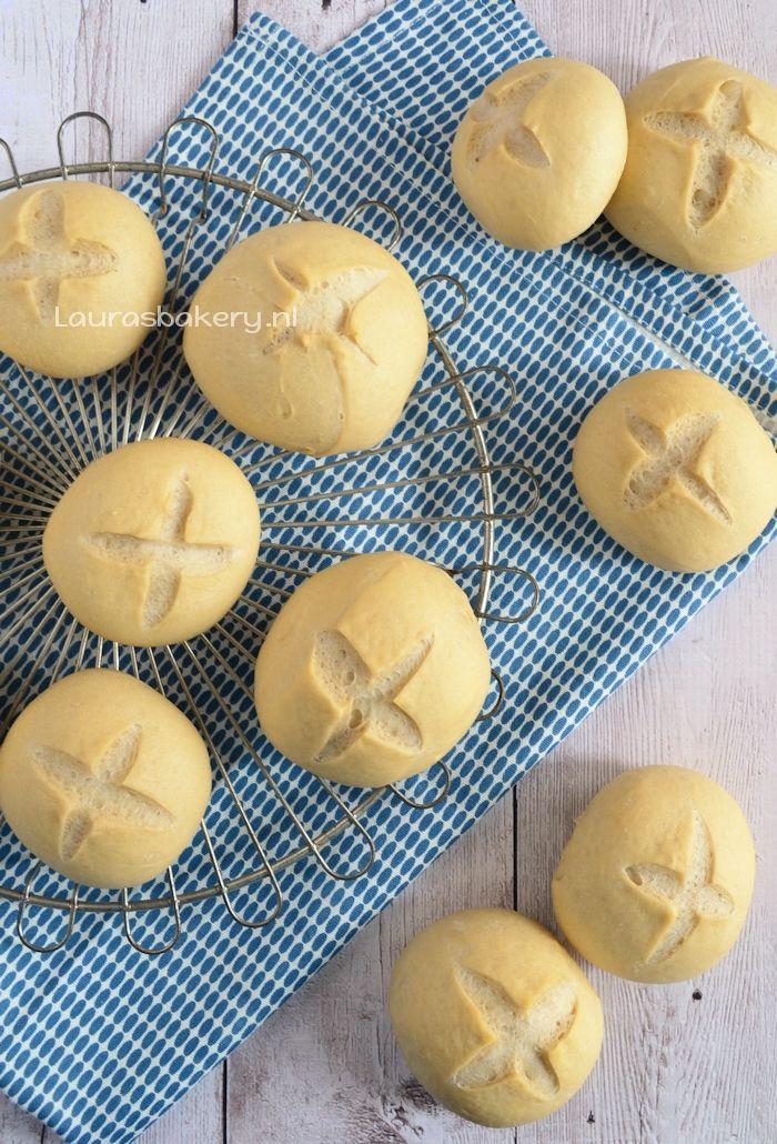 bread recipe - Harde broodjes - Laura's Bakery