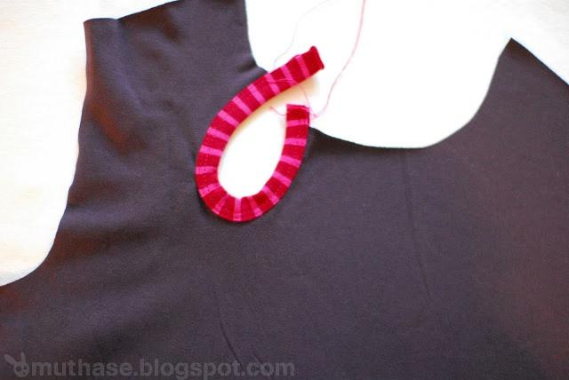 ... man Ausschnitte perfekt mit Jerseystreifen (und Schrägbandformer, ohne Bandeinfasser) einfasst