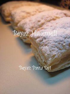BEYAZ HANIMELİ: Kremalı milföy pasta