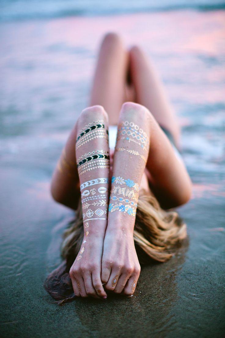 A veces, lo que uno necesita es estar a solas y sentirse bien consigo mismo. No hay mejor sitio para las reflexiones que al lado del mar. Dicen que el jugar de las olas es uno de los relajantes mentales, en nuestro caso, accesibles, ya que estamos en Málaga y en cercanía a sus playas. Si vives en Málaga o estás de visita en esta ciudad, aprovecha esta ocasión ;)