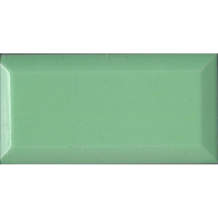 Metro wandtegel 7,5x15, kleur lichtgroen, glans, hoogwaardige wandtegel op basis van witte scherf met facet.