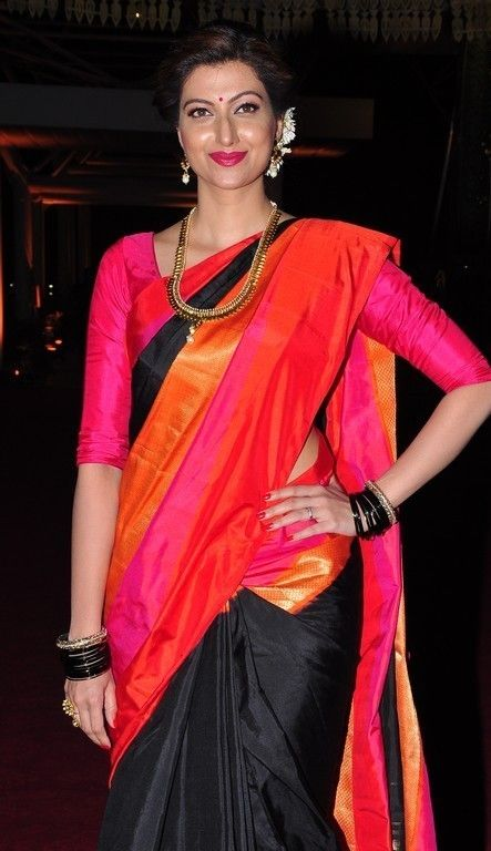 Hamsa Nandini Latest Beautiful Photos In Red Saree - Tollywood Stars