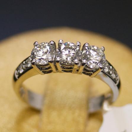 anello-trilogy-oro-bianco-e-diamanti-naturali-pasquale-parisi