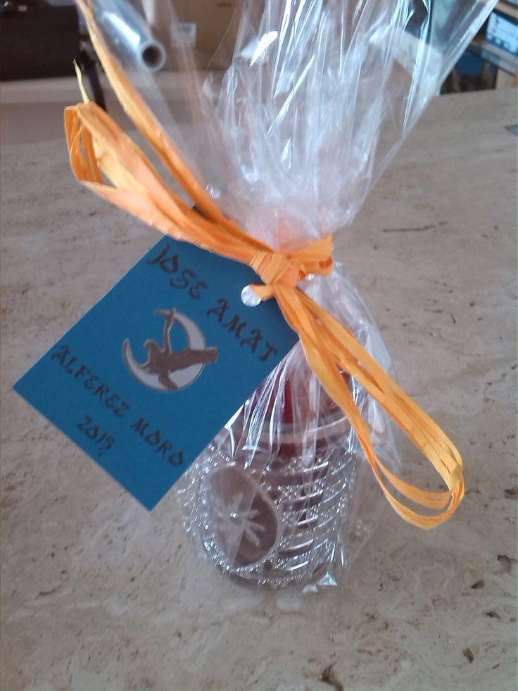 Una botellita de nuestras sal al pimentón fue incluida en el regalo que el Alférez Moro 2015 realizo a las señoras tras su proclamación.