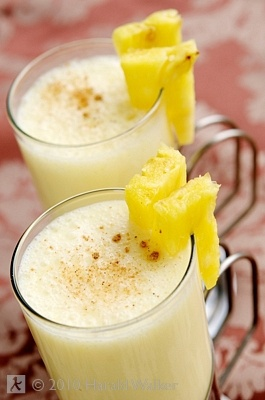 """Non-Alcoholic Piña Colada Smoothie .... No added sugar!"""