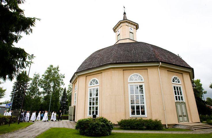 Vimpelin kirkko on Suomen ainoa pyöreä kirkko. Pantheon kirkko Roomassa on ollut inspiroimassa tätä mallia.