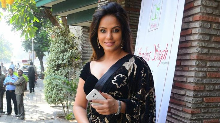 Neetu Chandra releases song on International Mother Language Day , http://bostondesiconnection.com/neetu-chandra-releases-song-international-mother-language-day/,  #NeetuChandrareleasessongonInternationalMotherLanguageDay
