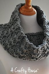 Mid-December Cowl pattern by A Crafty House, Free Ravelry, 200yds Aran weight yarn