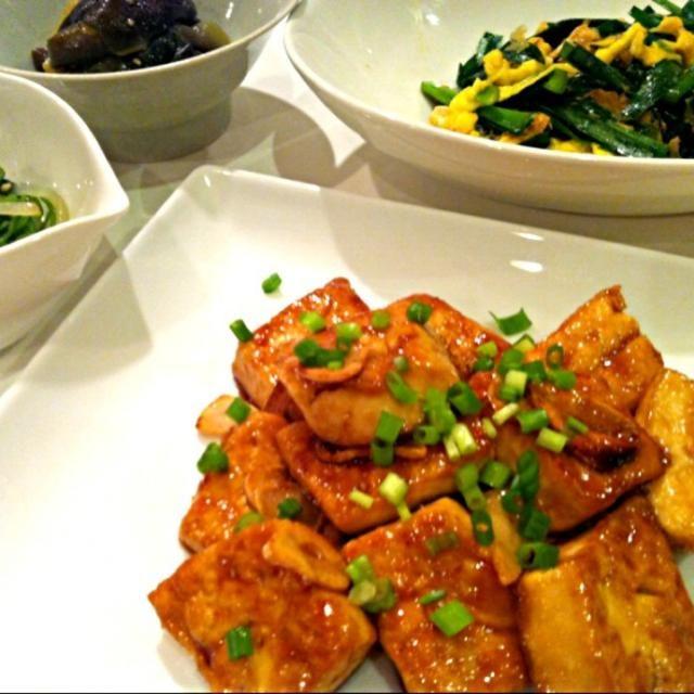 飲むぞーッ(♥´౪`♥) - 16件のもぐもぐ - 豆腐ガーリックステーキ♡ニラ玉♡ナムル by amyamy