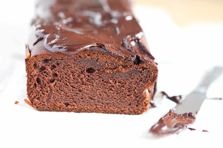 Czekoladowe ciasto słodzone daktylami, z dodatkiem herbaty earl grey