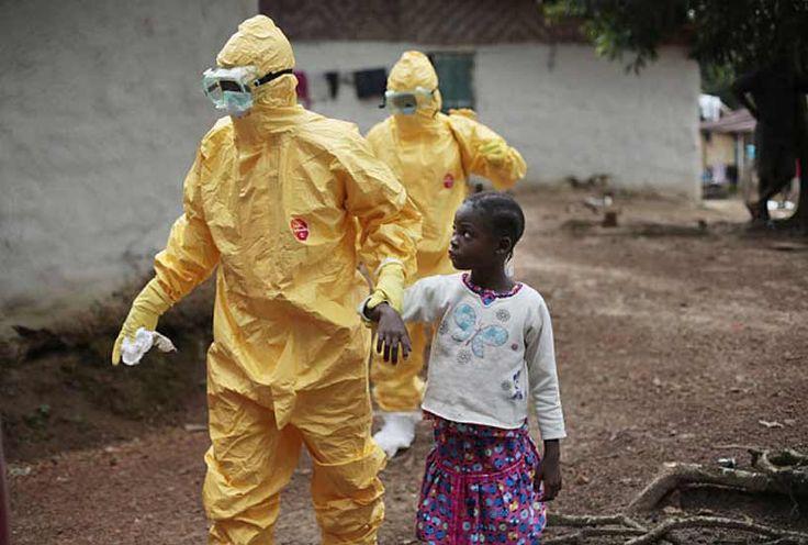 Innanzitutto i fatti, che potete tranquillamente verificare personalmente sul sito dell'organizzazione mondiale per la sanità, a questo link. Come è facile verificare, a parte in Liberia, dove pare che l'epidemia sia decisamente in calo, nel resto dei paesi contaminati, e in particolare in Sierra Leone, il numero di casi è in ascesa esponenziale. Secondo i …