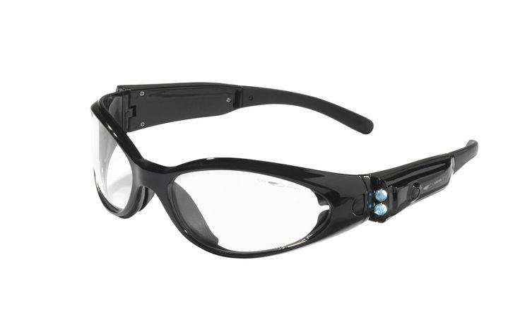 Koruyucu gözlüklerde bir ilk olan matrıx modeli 2 fonksiyonlı led ışıklı saplara sahip.  Burun pedi aparatı ve koroyucu kılıfı ile birlikte rahatlık sağlar.