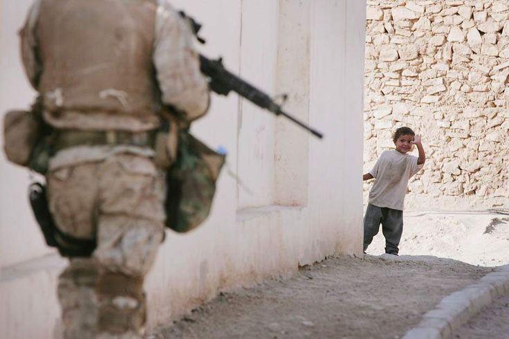 Картинки по запросу американские солдаты издеваются