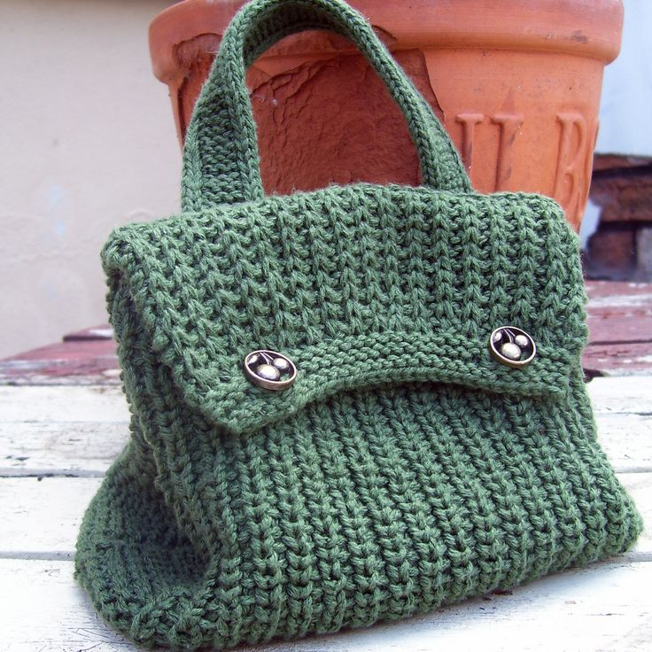 crochet beginner projects | Last month my KAL (Knit A Long) project was this little knitted bag ...
