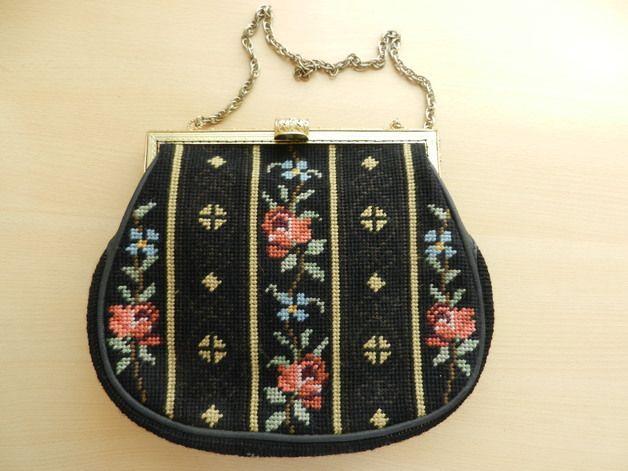 http://de.dawanda.com/product/62949187-Gobelin-Handtasche---60er-Jahre---Handarbeit