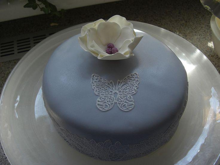 Zitrone Vanille Torte mit Fondant hausgemacht