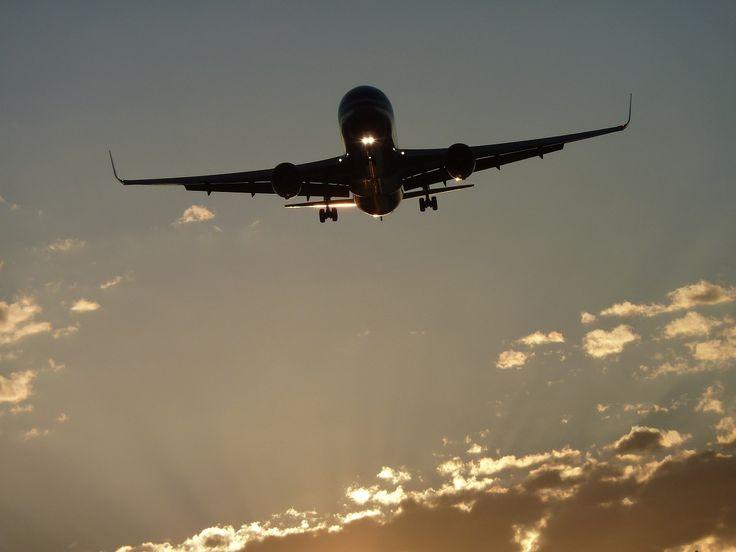 Paris-Los Angeles pour 348 euros, Barcelone-New York pour 313 euros, Berlin-San Francisco pour 318 euros... Jamais aucune compagnie n'avait osé proposer des prix aussi bas sur des vols transatlantiques. La concurrence exercée par les low cost long-courrier pousse notamment Air France à casser les prix.