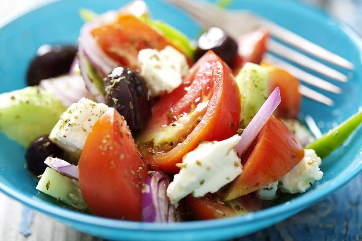 This salad is a staple in my diet, it is SO easy to make but when you use the freshest ingredients it tastes delicious! Whenever I go to my Yiayia & Pappou's house they always make this with ingredien
