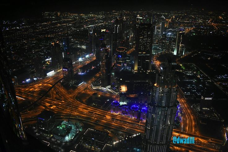 #burgkhalifa #burg #khalifa #dubai #good #night #lights #nightlights #live #life #love #people #peace #travel #vacation #dwadlll #dwadlllindubai #skyscraper #atthetop #125th #floor #God #Godbless #city #photography #photooftheday #highway #megatall #tallest #building