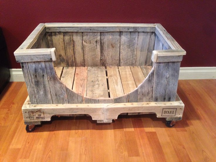 Pallet dog bed frame I made from 100% pallets. I put wheels on the bottom also