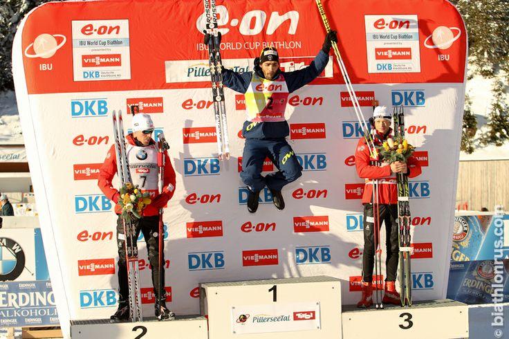 Pursuit: 1. Martin Fourcade, 2. Emil Hegle Svendsen, 3. Tarjei Bø, Hochfilzen, 8.12.2013