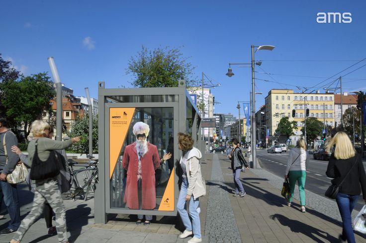 """""""Pan Kleks"""" - z okazji 41. edycji Festiwalu Filmowego w Gdyni przechodnie mogli wcielić się w wybrane postaci filmowe (Urząd Miasta Gdyni, wrzesień 2016)"""