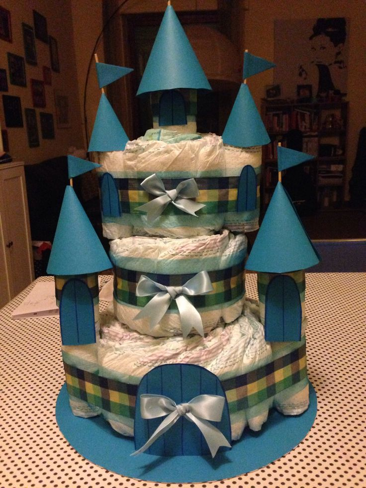 Torta di pannolini a forma di castello #cake #diaper #castle