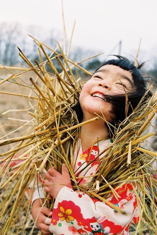 """Kawashima Kotori 川島小鳥 - Mirai-chan 未来ちゃん ""I can't read this but I think it says"" joy in the sunshine""!!"