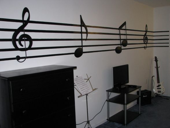 ideas for decorating music room | , Boys room, decorated in music theme. black and white decorations ...