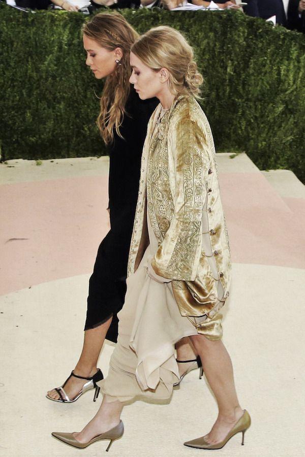 Olsens Anonymous Blog Mary Kate And Ashley Olsen Twins Style Velvet Trend MKA Met Gala Embroidered Velvet Jacket Coat Cardigan Dresses Pumps Hair