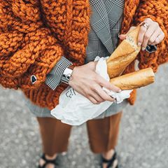 Lunch Break ✔️ Our Marmalade Perla Cardigan bringing on some serious spring vibes. Don't you think that's the ultimate color for Spring? • Comment Below  #spring #style #streetstyle #streetfashion #fashion #details #jewelry #orange #vegan #collection #stylish #details #closeup #ootd #fashionable #trend #shop #mumshandmade