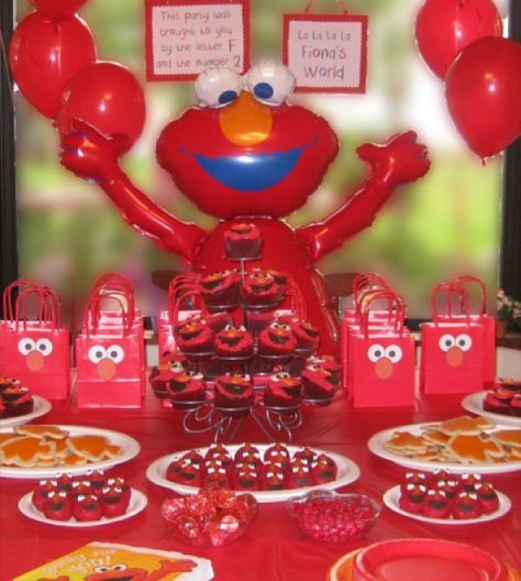 The Elmo Dessert Table!
