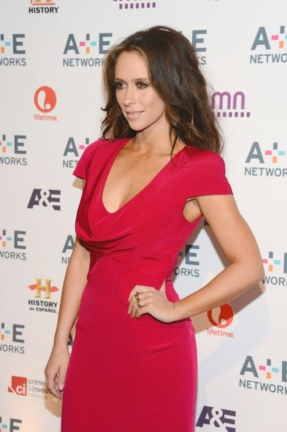 Red-hot actress Jennifer Love Hewitt showed off her killer curves on the red carpet at the A E Networks 2012 Upfront even at the Lincoln Center in New York City on Wednesday.