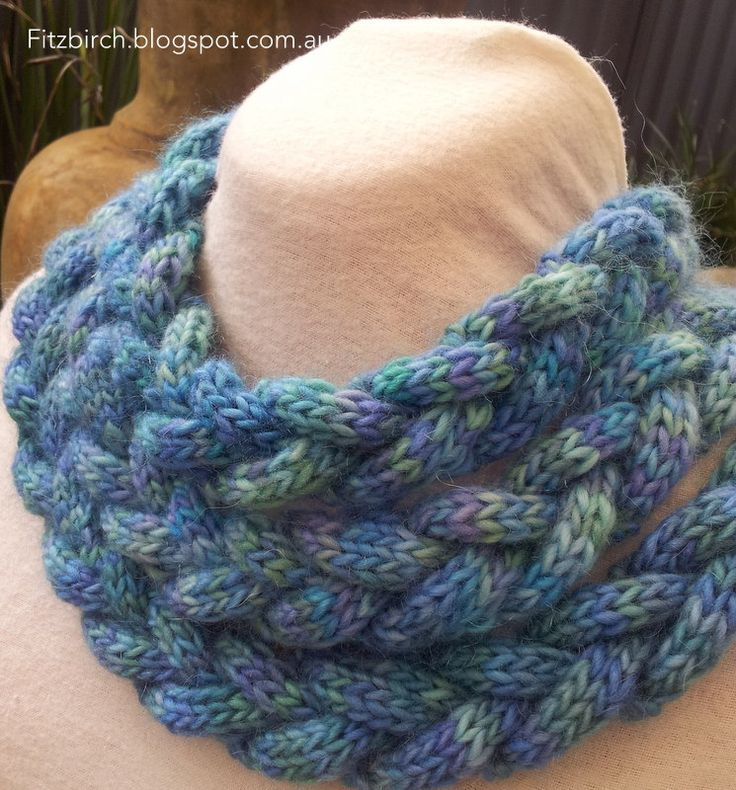 FitzBirch Crafts: Braided Cowl - free pattern! wonder if it would work with a...