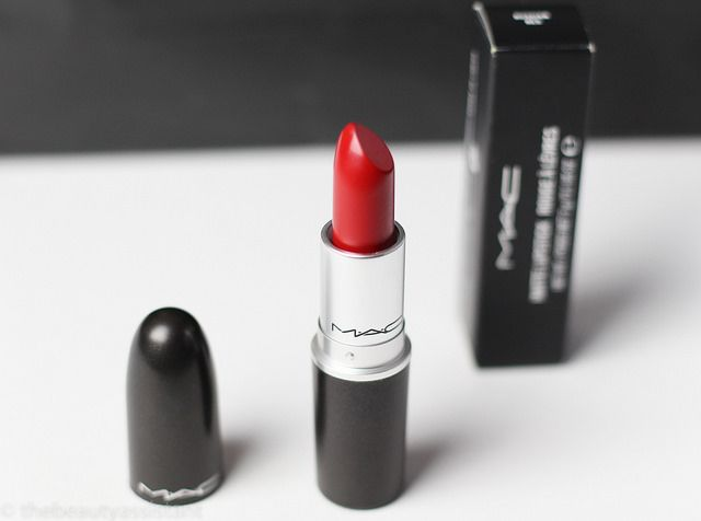 MAC Russian Red | http://www.thebeautyassistant.nl/2014/05/mac-russian-red/