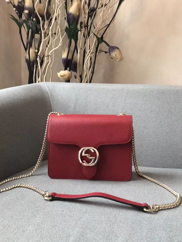 9c598929f01 Gucci Interlocking Chain Red Leather Cross Body Bag. The main element here  is the shoulder