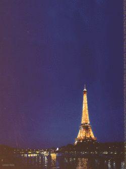 Midnight in #Paris
