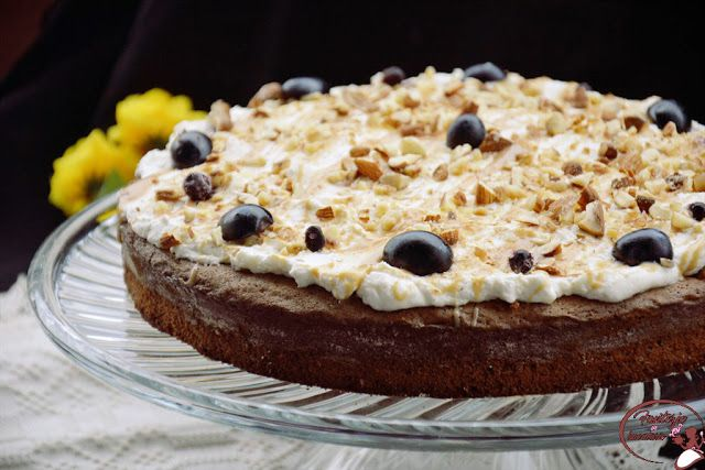 Fantezie in bucatarie: Poke cake cu ciocolata si dulce de leche