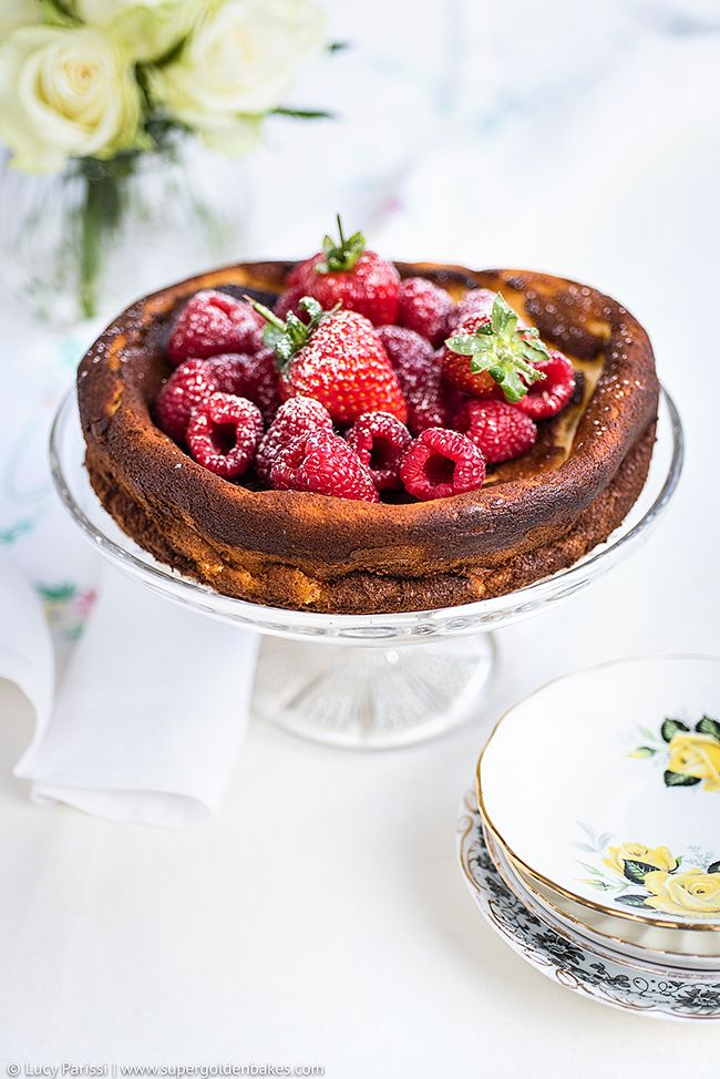 Light quark cheesecake with fresh berries - this rustic cheesecake couldn't be easier to make and is much lighter in calories than your average dessert