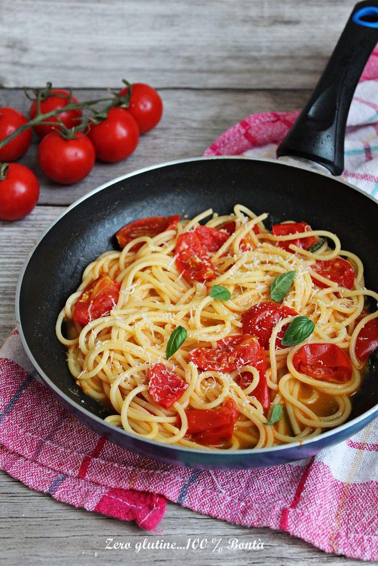 Spaghetti allo scarpariello , un primo piatto gustoso , cremoso e facilissimo da realizzare. Si prepara in meno di 10 minuti e il successo è garantito.