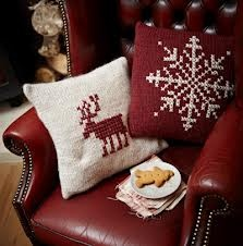 Red and white. Knit pillows.