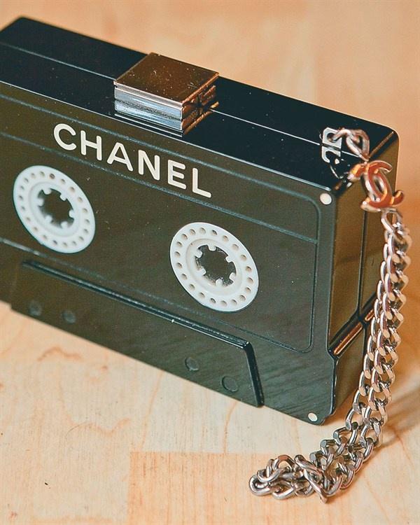 chanel cassette clutch fashion style pinterest bag designer purses and vintage purses. Black Bedroom Furniture Sets. Home Design Ideas