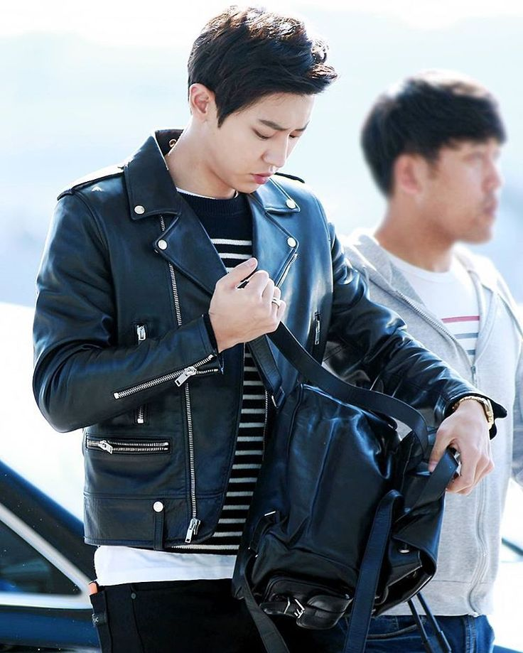 """""""151028 Chanyeol at ICN-Beijing Airport - he will attend the press con for his movie """"I married an anti fan"""" tomorrow in Beijing. His outfit today costs…"""""""