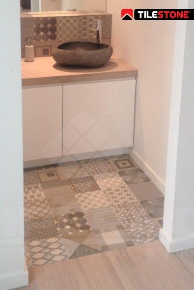 lavabo, natuursteen lavabo, patroontegels, parket, badkamer