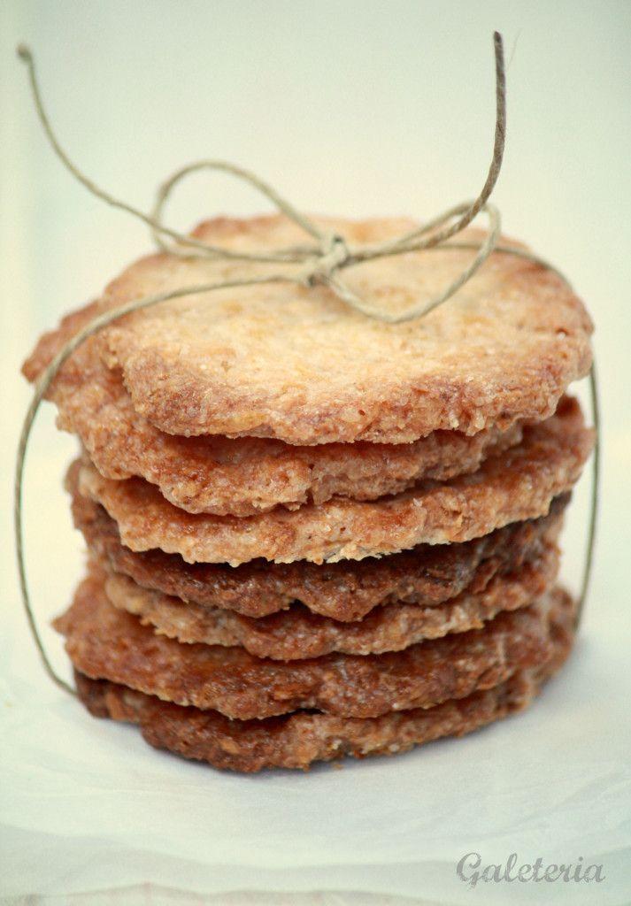 Receta de galletas de coco crujientes con fotos paso a paso. Galletas de coco sin huevos ni mantequilla. Receta de galletas de Martha Stewart.