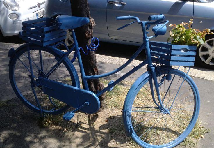 Bike in front of Coffice oworking in Via Caldara, Milan